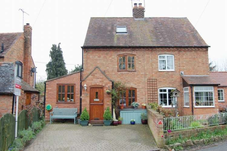2 Bedrooms Semi Detached House for sale in The Bank Marlcliff, Bidford On Avon Alcester