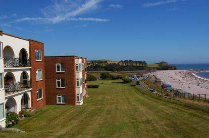 3 Bedrooms Flat for sale in Coastguard Road, Budleigh Salterton, Devon