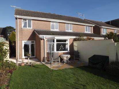 3 Bedrooms Semi Detached House for sale in Torpoint, Cornwall, Uk