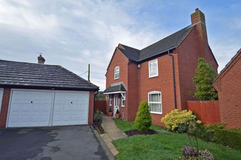 4 Bedrooms Detached House for sale in Quality cul de sac in Yatton