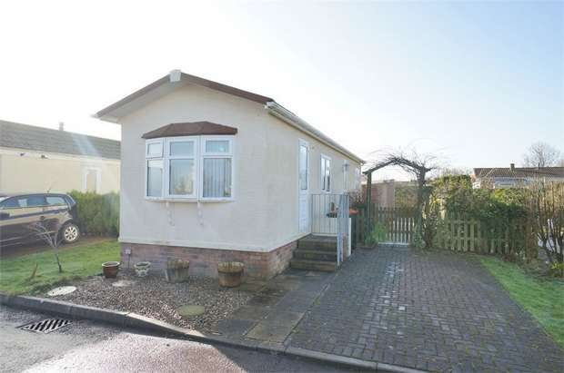 2 Bedrooms Park Home Mobile Home for sale in Lighthouse Park, St Brides Wentlooge, NEWPORT
