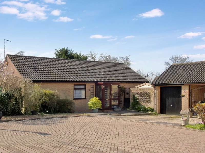 3 Bedrooms Bungalow for sale in Halton Chesters, Bancroft