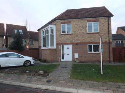 4 Bedrooms Detached House for sale in Hawkshead Place, Newton Aycliffe, County Durham