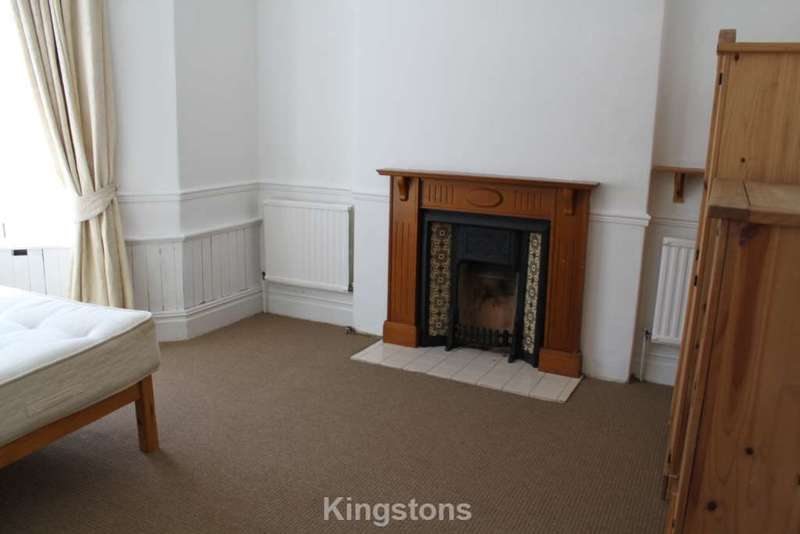 6 Bedrooms House for rent in Blenheim Road, Penylan, Cardiff, CF23 5DR