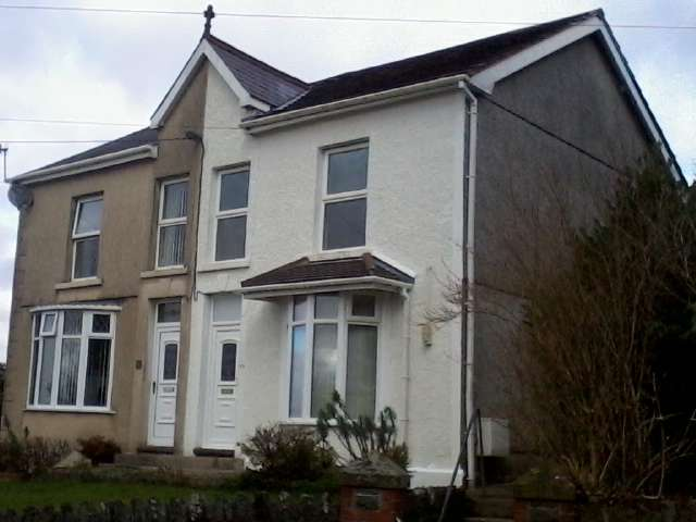 3 Bedrooms Property for sale in Station Road, Ystradgynlais, Swansea