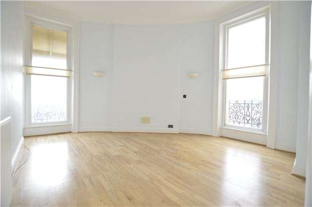 2 Bedrooms Flat for sale in Marina, ST LEONARDS-ON-SEA, East Sussex, TN38 0BT