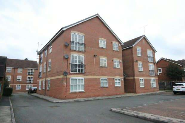 2 Bedrooms Apartment Flat for sale in Carrswood Road, Manchester