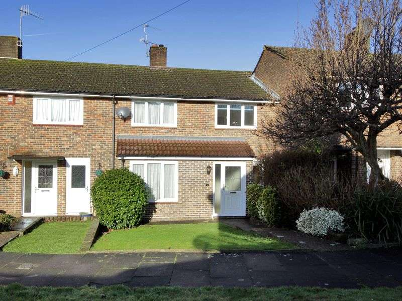 3 Bedrooms Terraced House for sale in Pevensey Close, Pound Hill, Crawley, West Sussex