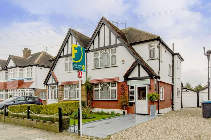 3 Bedrooms House for sale in The Fairway, Wembley, HA0