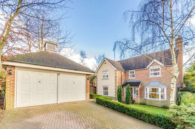 5 Bedrooms House for sale in Harts Grove, Woodford Green, IG8