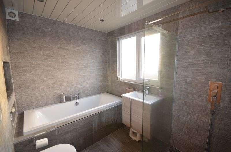 4 Bedrooms Semi Detached Bungalow for sale in 4 Hillside Drive, Stalmine, Poulton Le Fylde Lancs Fy6 0LF