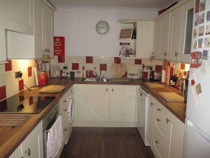 3 Bedrooms Terraced House for sale in Tellis Cross, Yeovil