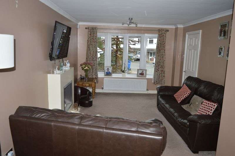 3 Bedrooms Semi Detached House for sale in Lodge Bank Road, Littleborough