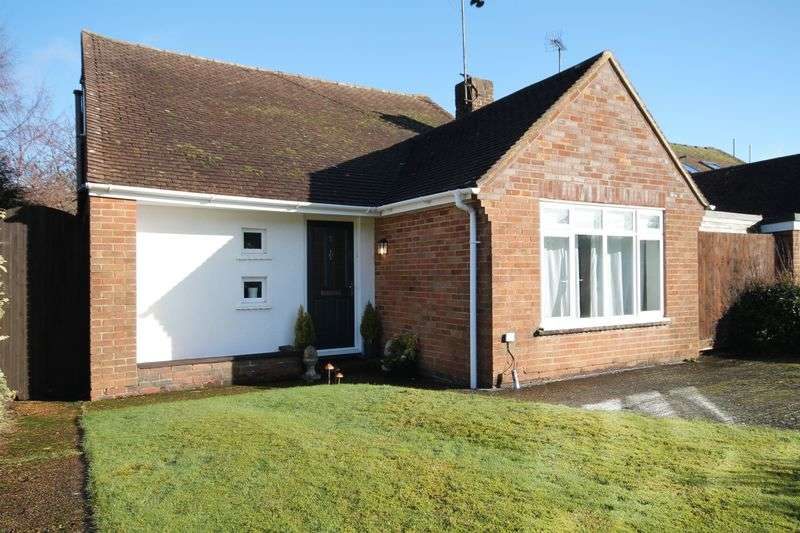 5 Bedrooms Bungalow for sale in Ockenden Way, Hassocks, West Sussex,