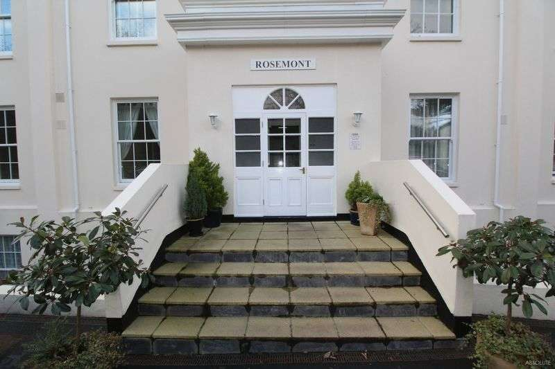 2 Bedrooms Flat for sale in A Spacious 2 Bedroom Ground Floor Apartment