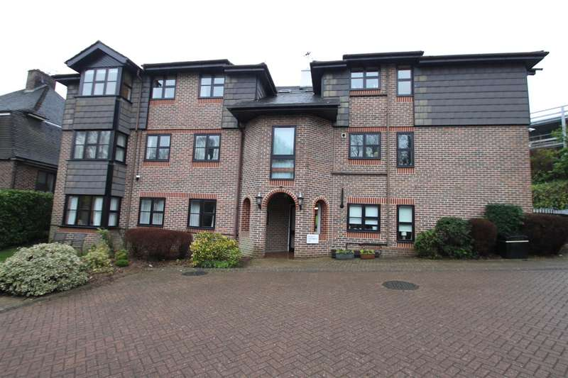 2 Bedrooms Flat for sale in The Acorns, Bradbourne Park Road, Sevenoaks