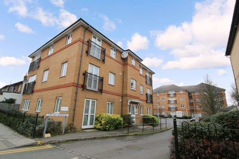 2 Bedrooms Flat for sale in Orchid Gardens, Hounslow, Greater London TW3