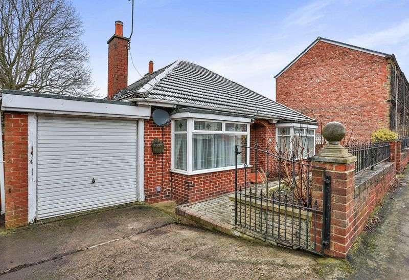 3 Bedrooms Detached Bungalow for sale in Windy Nook Road, Gateshead, Tyne and Wear, NE9