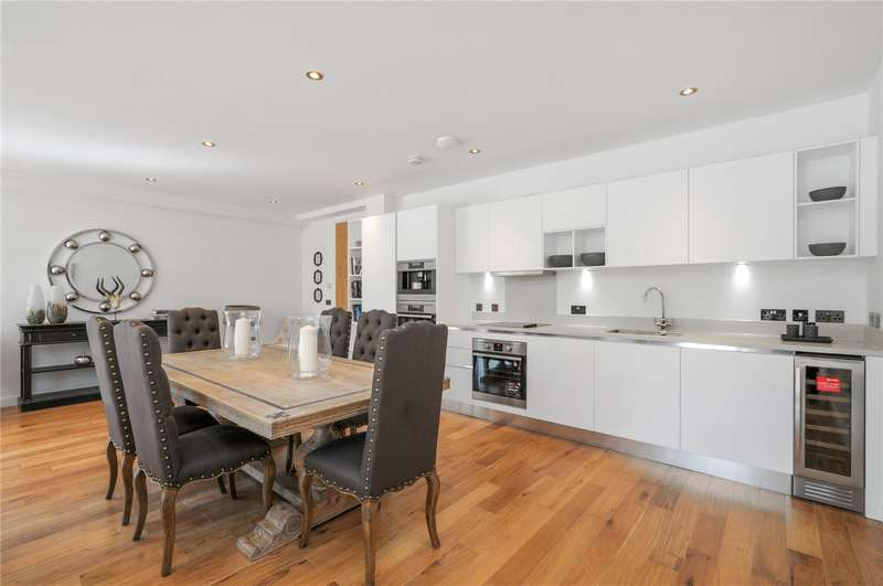 3 Bedrooms Flat for sale in Gateway House, Regents Park Road, London, N3