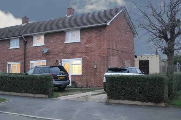 2 Bedrooms Semi Detached House for sale in Rose Avenue, Peterborough, Cambridgeshire, PE2 8JD