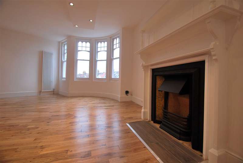 2 Bedrooms Apartment Flat for sale in Clyde Road, Alexandra Park/Muswell Hill, N22
