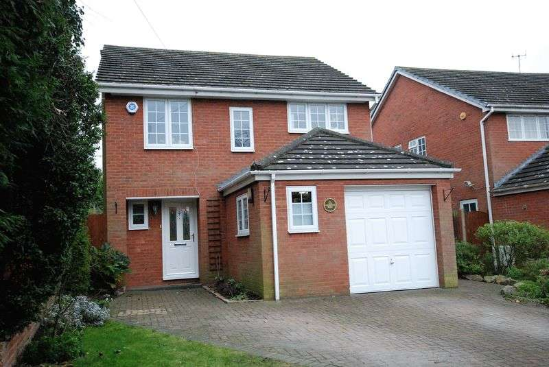 4 Bedrooms Detached House for sale in Lansdowne Road, Bromley