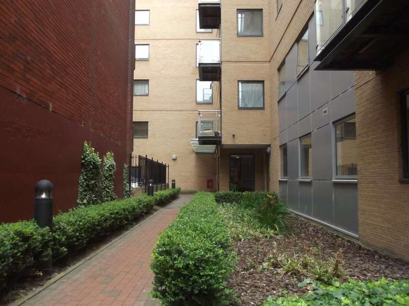 1 Bedroom Apartment Flat for sale in Icon House, Merchants Place, Reading, Berkshire, RG1