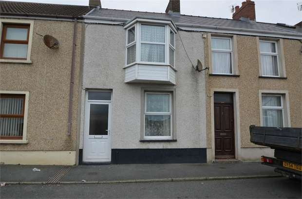 3 Bedrooms Terraced House for sale in Robert Street, Milford Haven, Pembrokeshire