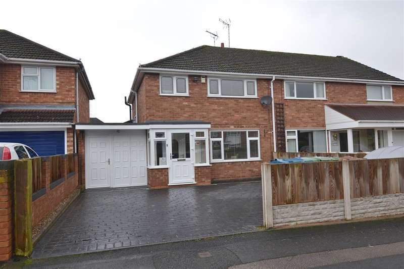 3 Bedrooms Semi Detached House for sale in Lymington Road, Weston Park, Stafford
