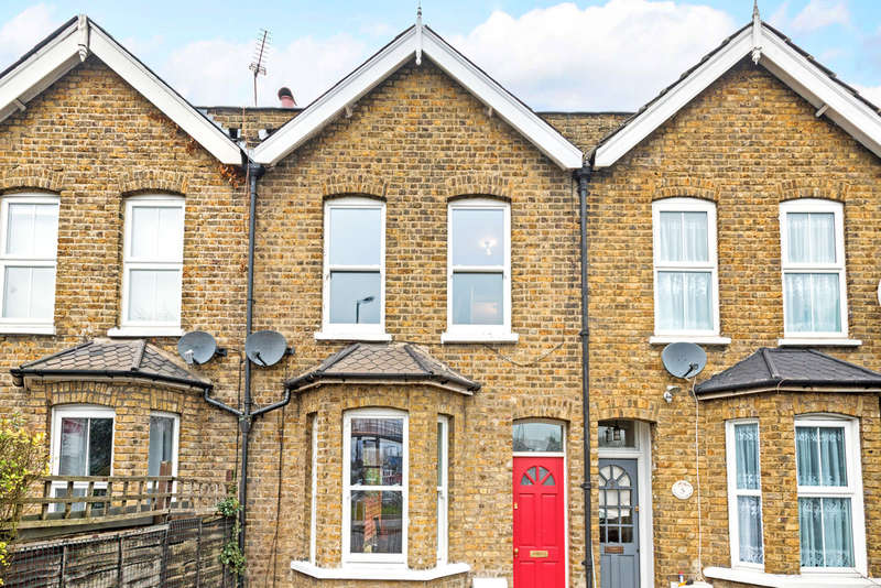 2 Bedrooms Terraced House for sale in Beverley Cottages, London, SW15