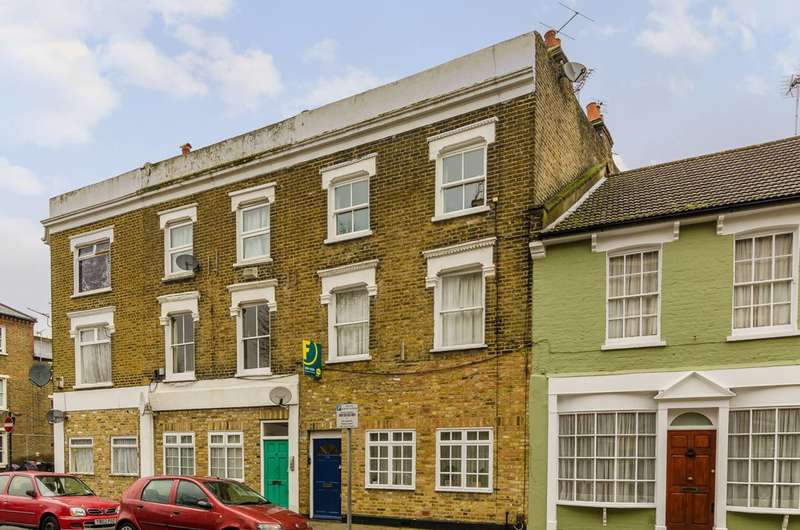 2 Bedrooms Flat for sale in Dorset Road, Vauxhall, SW8