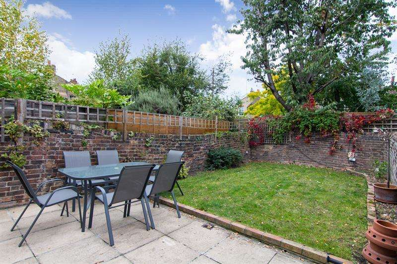 4 Bedrooms Terraced House for sale in Farm Lane, Fulham Broadway, Fulham, London, SW6