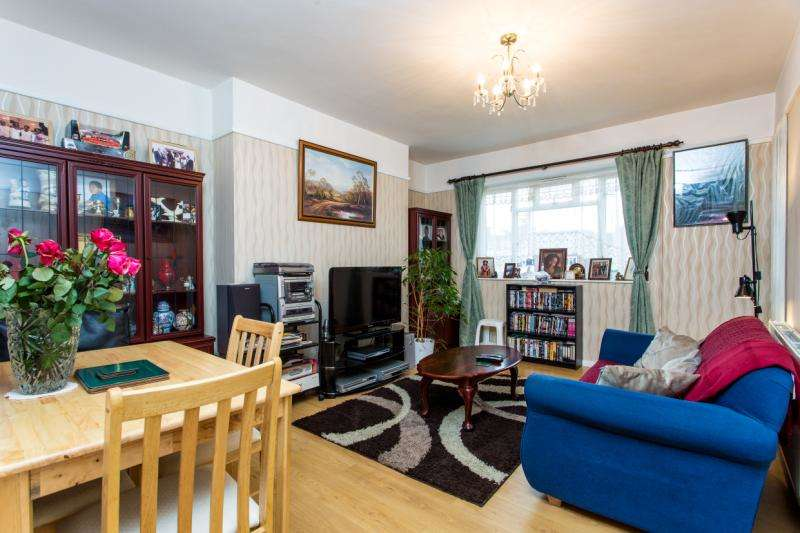 3 Bedrooms Flat for sale in Sulivan Court, Peterborough Road, Hurlingham, Fulham, SW6
