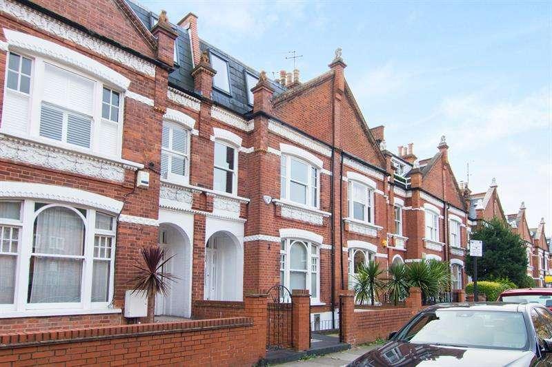 3 Bedrooms Flat for sale in Studdridge Street, London, SW6