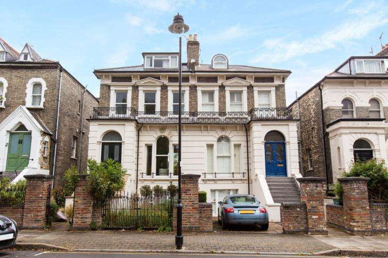 4 Bedrooms Semi Detached House for sale in Penn Road, London, N7