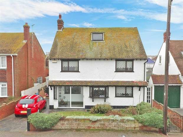 4 Bedrooms Detached House for sale in Kings Avenue, Birchington, Kent