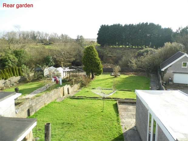 3 Bedrooms Semi Detached Bungalow for sale in 15 Dennis Place, Bryncethin, Bridgend, Mid Glamorgan