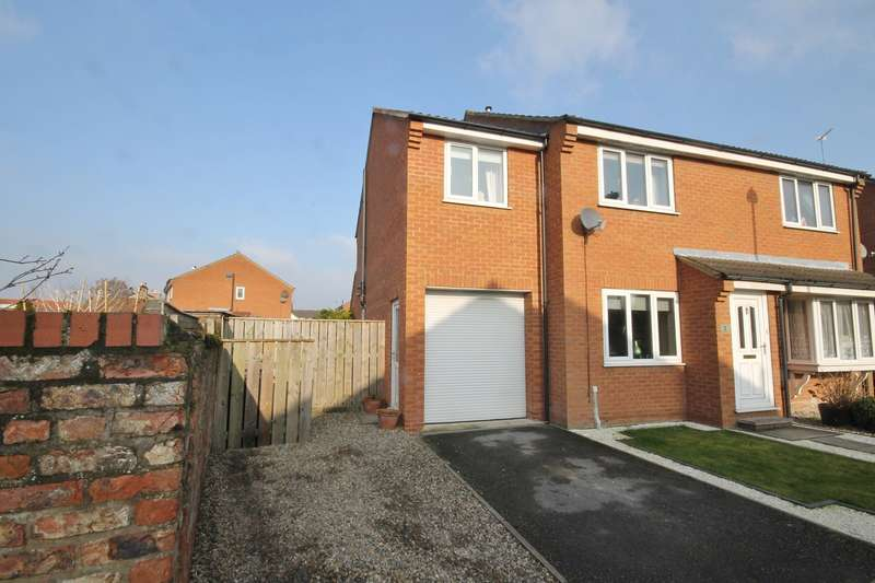 3 Bedrooms Semi Detached House for sale in Old Mill Row, Thirsk YO7 1UQ