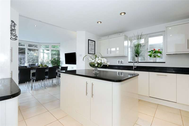 4 Bedrooms Detached House for sale in Wiltshire Grove, Warfield, Berkshire, RG42