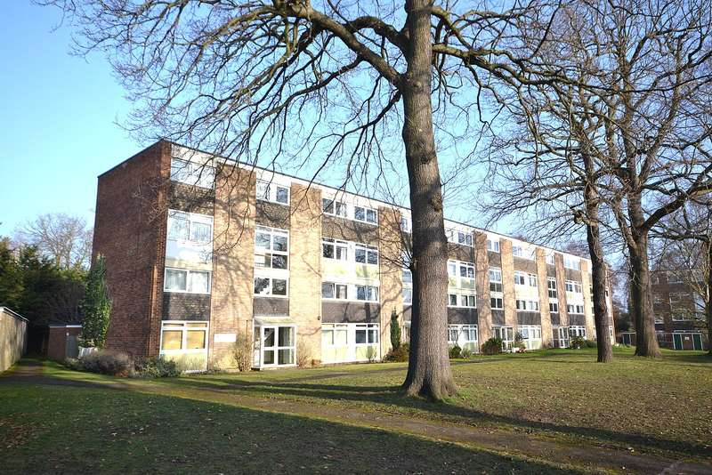 3 Bedrooms Apartment Flat for sale in Walton on Thames