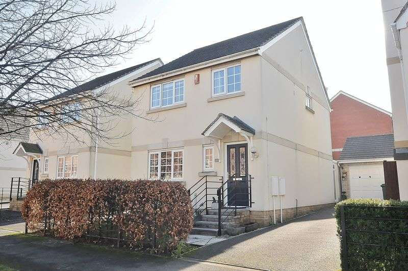 3 Bedrooms Detached House for sale in Aberdeen Avenue, Plymouth. Detached 3 bedroom family home.