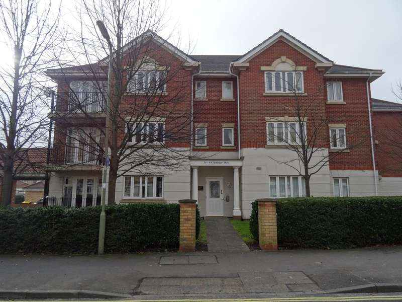 2 Bedrooms Apartment Flat for sale in Heritage Way, Gosport