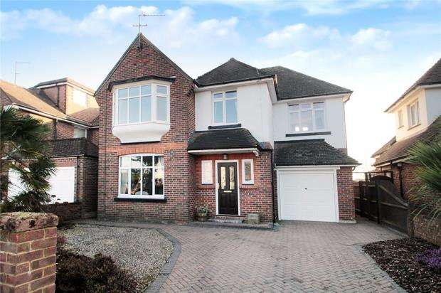 4 Bedrooms Detached House for sale in Parkside Avenue, Littlehampton, West Sussex, BN17