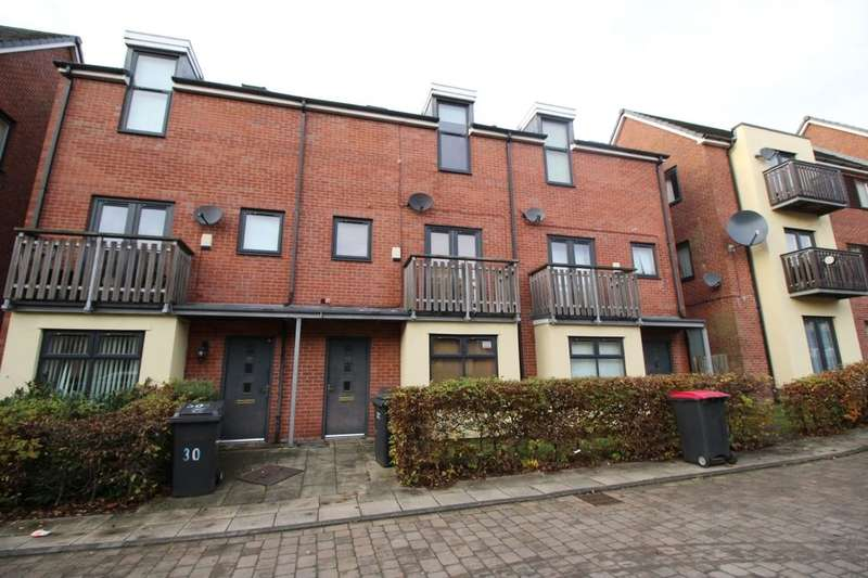 3 Bedrooms Property for sale in Mere Drive, Clifton,Swinton, Manchester, M27