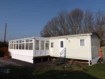2 Bedrooms Bungalow for sale in Mayfield Park, Bracken Lane, Hogsthorpe, Skegness