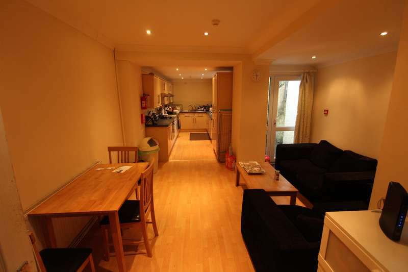 6 Bedrooms House for rent in Bedford Street, Roath, Cardiff