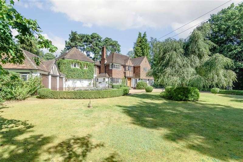 5 Bedrooms Property for sale in Compton Way, Farnham