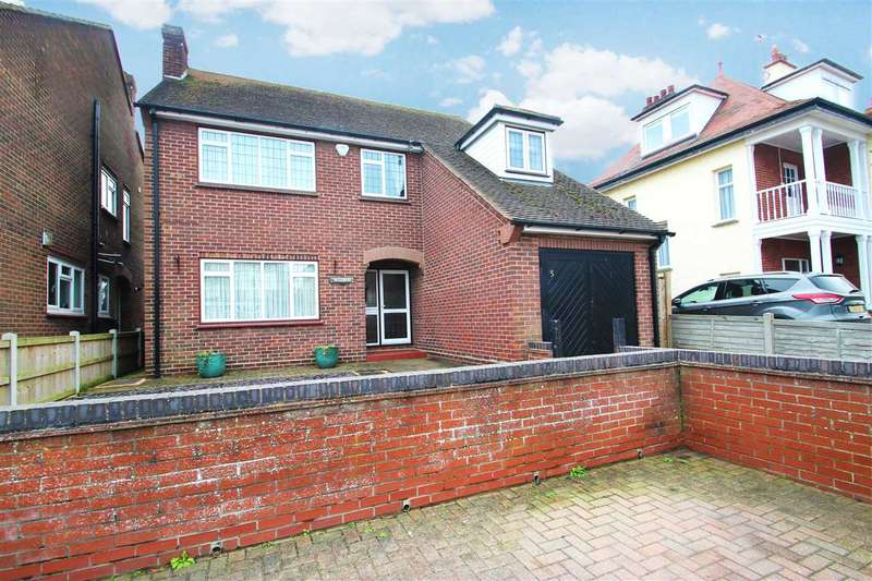 4 Bedrooms Detached House for sale in Trafalgar Road, Clacton-On-Sea