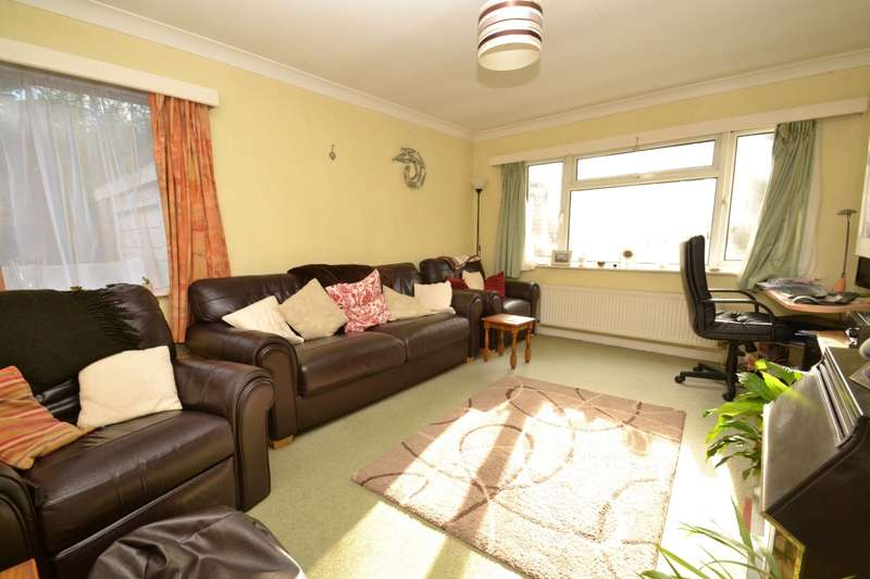 4 Bedrooms Detached Bungalow for sale in Southbourne