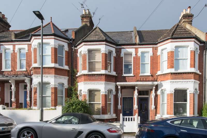 1 Bedroom Flat for sale in Bramfield Road, Battersea, London